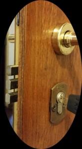 ajtónyitás szolgáltatás